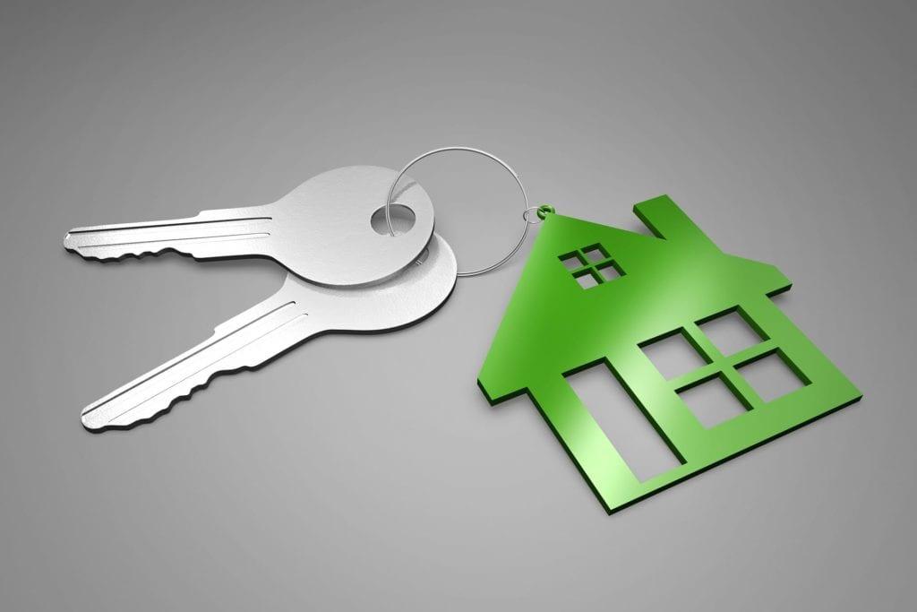 2 keys on keychain with a house | AgentAdvice.com
